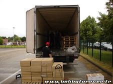 Déchargement du camion Bandai