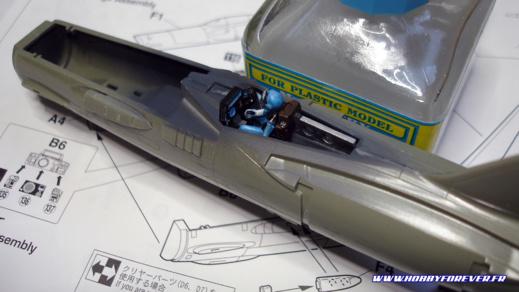 Le cockpit peint et assemblé