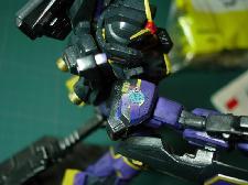 Décal custom sur un Gundam MkII HGUC