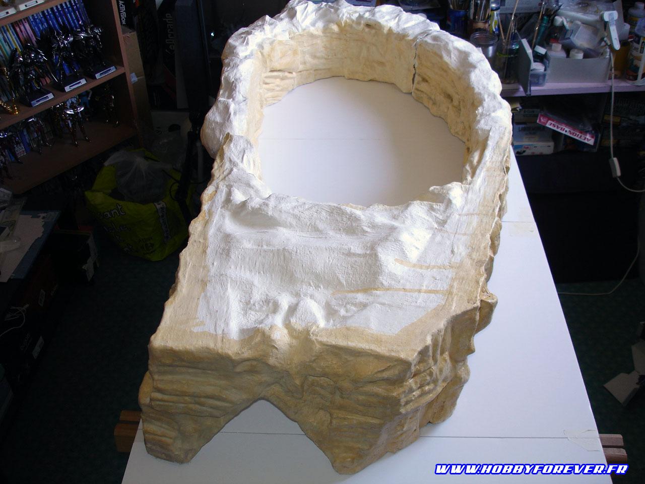 Les falaises fixées sur la base et ajustées