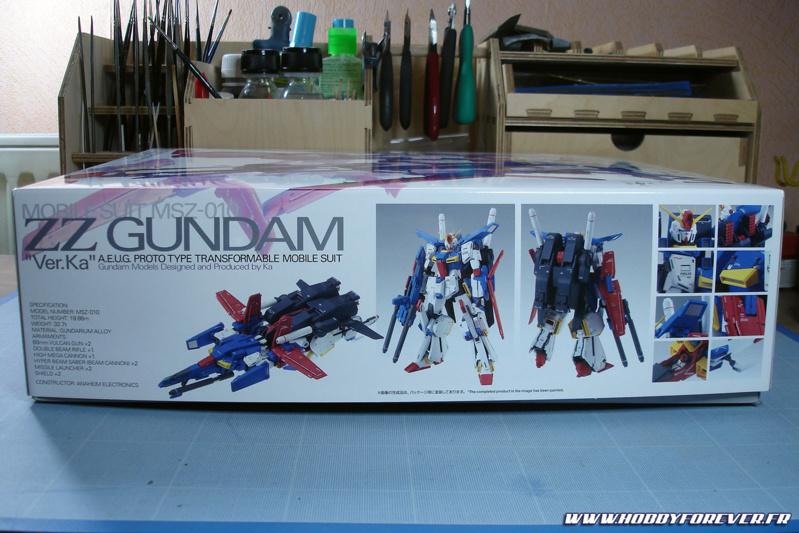 Petit coup d'oeil sur la tranche de la boîte où l'on peut admirer le modèle monté.