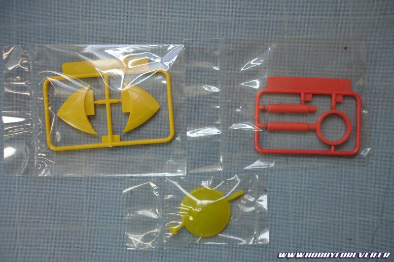 Grappes G, H et I : l'aileron, le manche du marteau et la verrière en plastique transparant