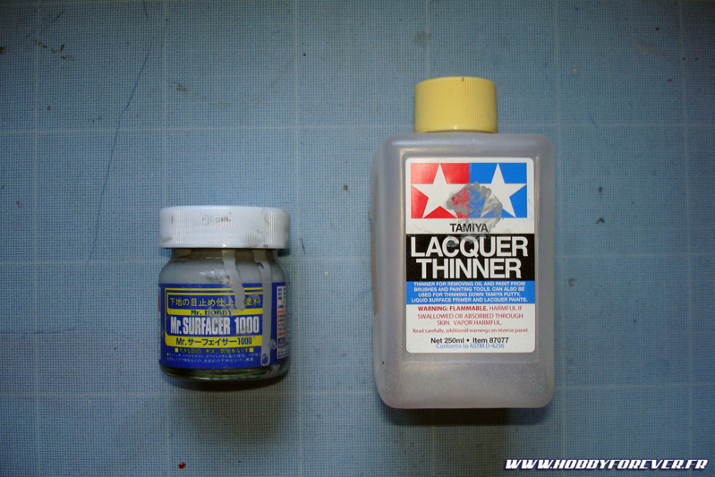 Sous-couche au Mr Surfacer 1000 et dilution au Lacquer Thinner Tamiya