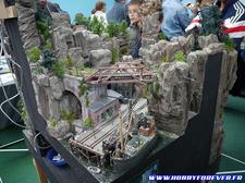 Un époustouflant diorama alliant train, montagne et port de pêche