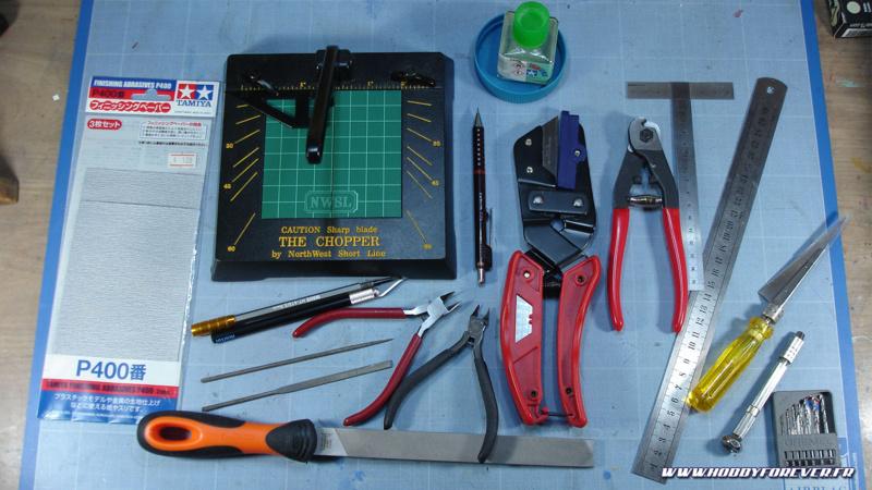 Florilège des outils utilisés (liste non exhaustive). Tout n'est pas indispensable, mais c'est quand même plus efficace d'être bien équipé.