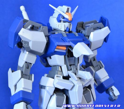 Duel Gundam Assault Shroud, livré avec un pilote en conserve