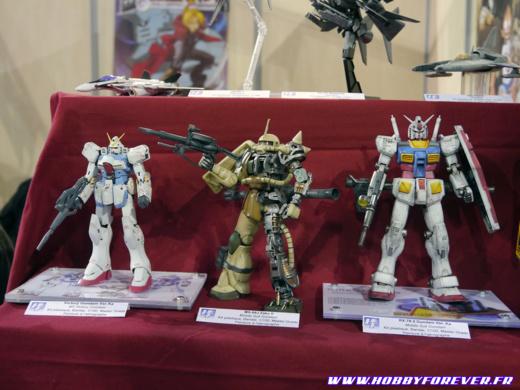 MG V Gundam, MG MS-06J Zaku II, MG RX-78-2 Gundam Ver.Ka (Zenkuro)