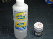 Mr Surfacer 1000 et Mr color leveling thinner