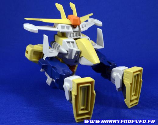 Un design très kitsch qui rappelle les séries de mecha des années 70/80 comme l'Irongear de Xabungle, pour cette transformation du Winning Gundam