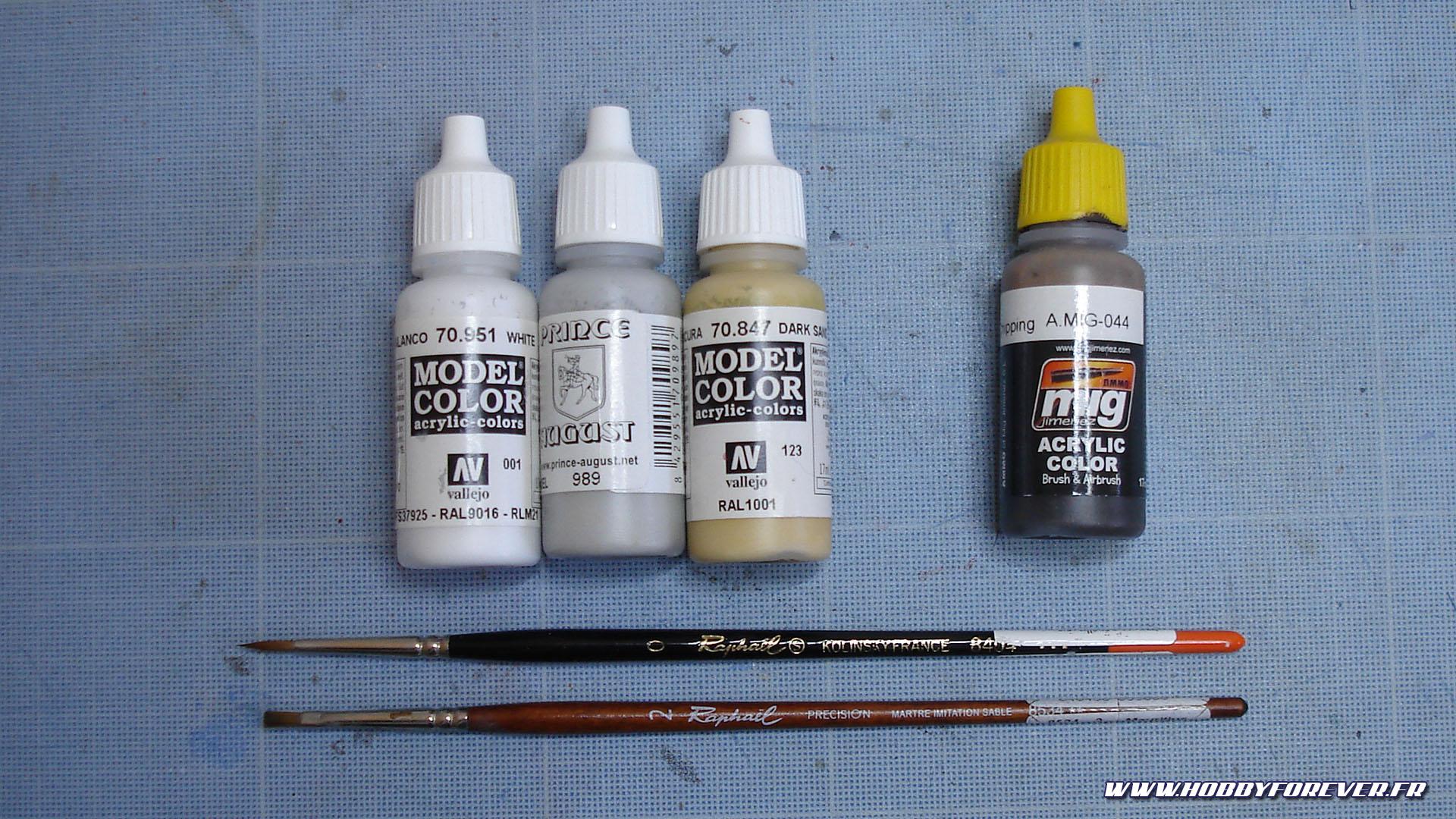 Principales peintures et pinceaux utilisés pour la patine