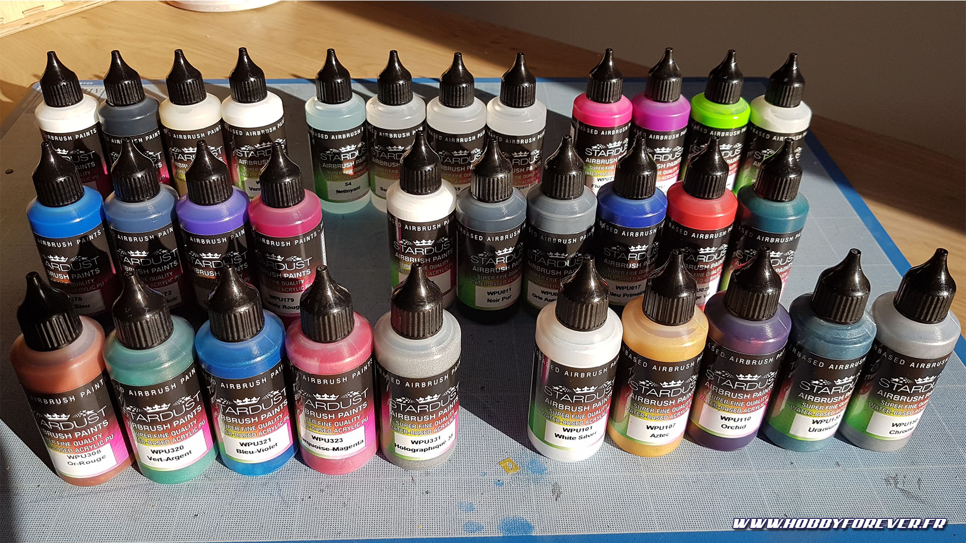 Les peintures acrylique-polyuréthane Stardust Pro de Stardustcolors