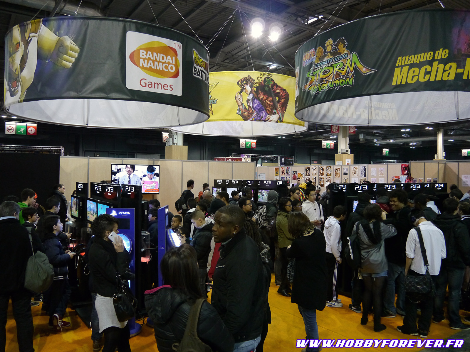 Ce Paris Manga aura brassé une foule énorme. Ici le STand Bandai Namco.