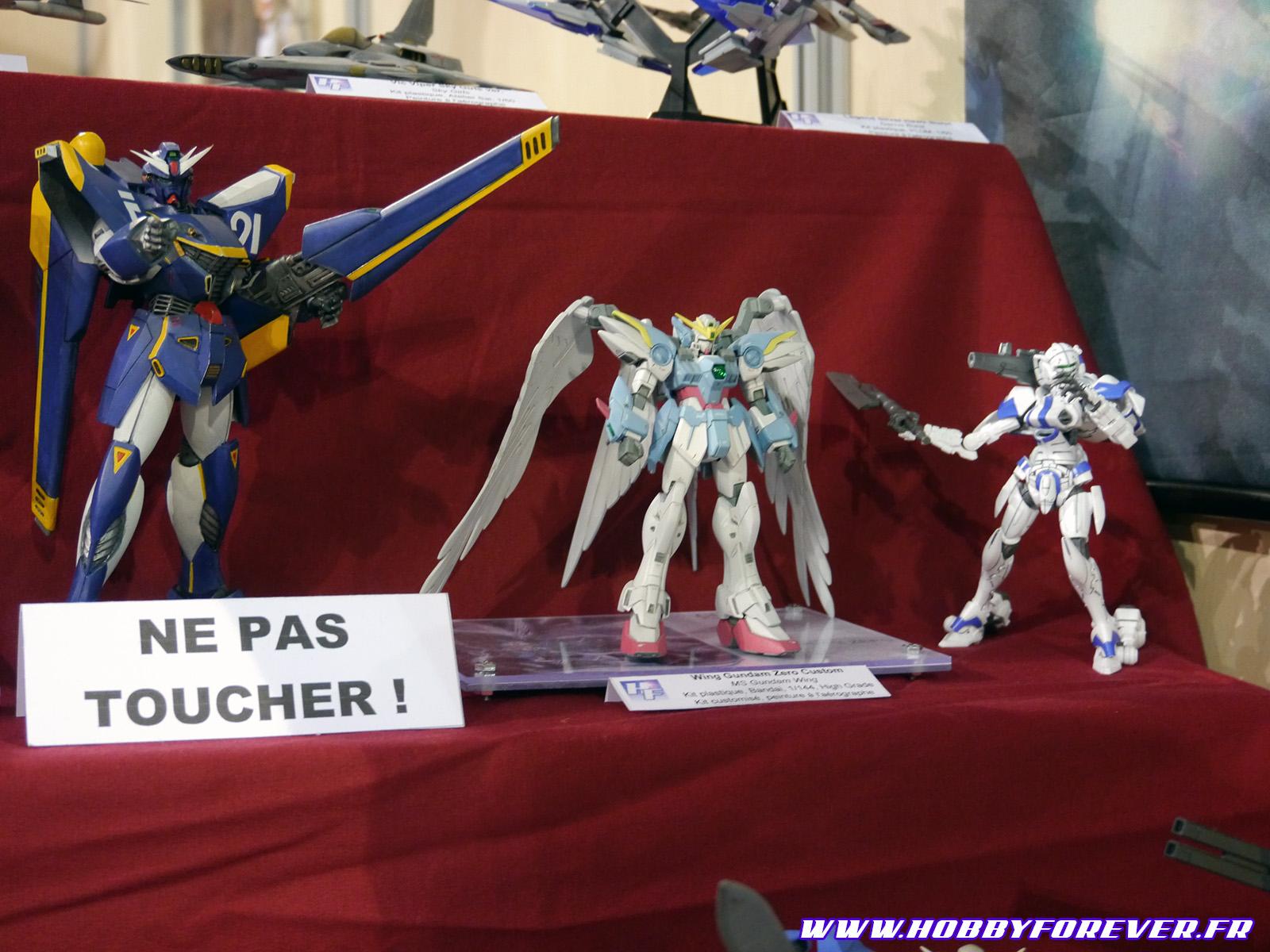 F90 Gundam (Youli), Wing Gundam Custom (Zenkuro), Alexander (Franck)