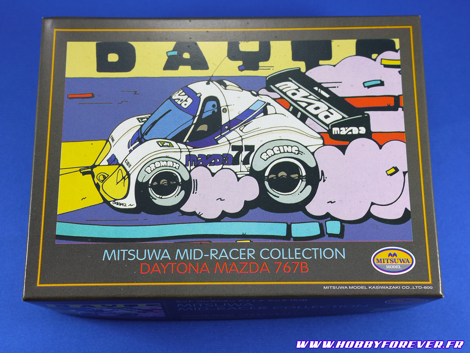 La boite de la Daytona Mazda 767B et son illustration super cool !