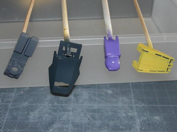 les couleurs utilisées : Gray+Black, Midnight Blue, Purple, Cream Yellow