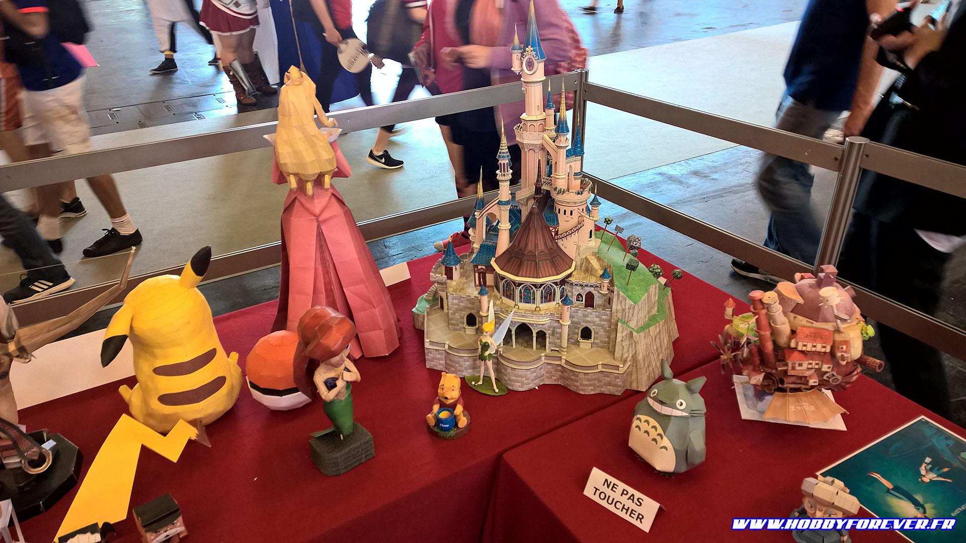 Le chateau de la Belle au Bois Dormant, un des plus beaux papercrafts de cette année