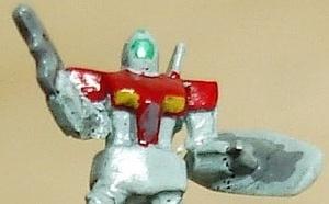 Amélioration et peinture des mini Gundams de 1cm
