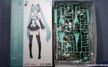 Unboxing - Frame Music Girl Hatsune Miku par Kotobukiya